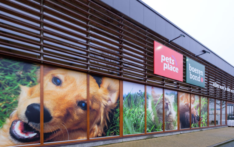 Gevel_PetsPlace_raamdecoratie